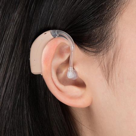 耳寶6DA1耳掛式助聽器配戴示意圖